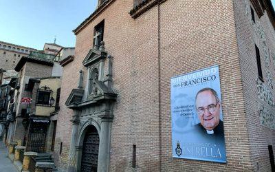 Una gran lona dará la Bienvenida al Obispo Francisco Cerro